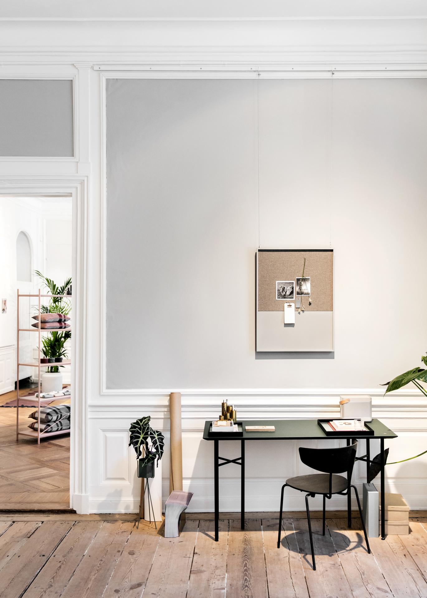 focus sur la table mingle et les assises herman de ferm. Black Bedroom Furniture Sets. Home Design Ideas